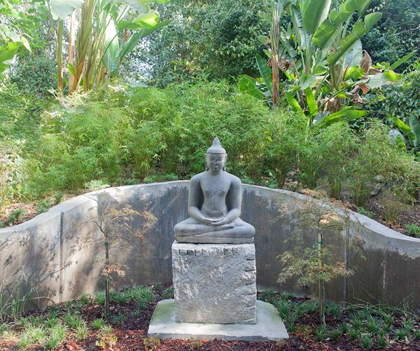 asian-garden-sculpture